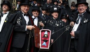 Hostal Oriente - Carnaval Madrid entierro de la sardina